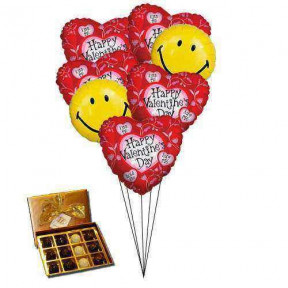 Smiley heart balloons with Chocolates