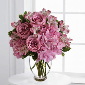 Delightfully Dainty Bouquet (Deluxe)