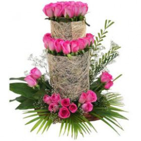 Arrangement of 30 Pink Roses