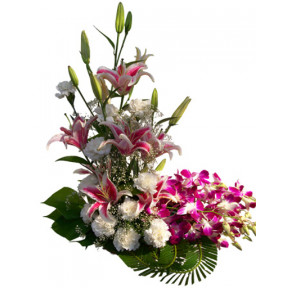 Deluxe Flowers Arrangement