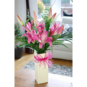 Vase With 10 Stems Of Pink Lilies