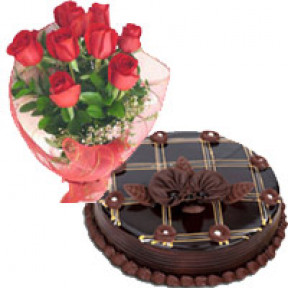 Chocolate Cake with Red Roses Bouquet