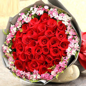 The Day Of Missing You (33 red roses)