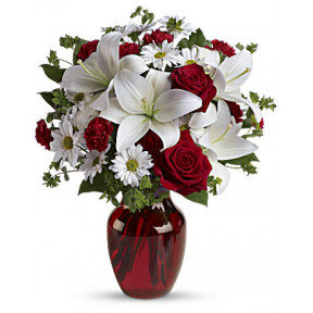 Be My Love Bouquet With Red Roses (Standard)