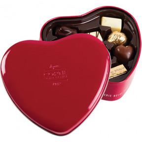 Corné Port Royal Tin Heart with 10 Chocolates
