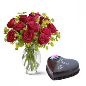 Cake With 2 Dozen Red Roses In A Vase