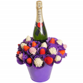 Berry Bubble Moet Bouquet