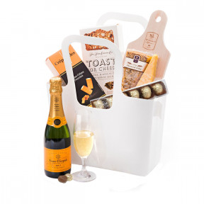 Picnic On The Go With Veuve Clicquot