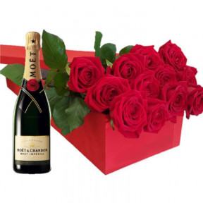 Gift Box With Red Roses And Moet 700Ml