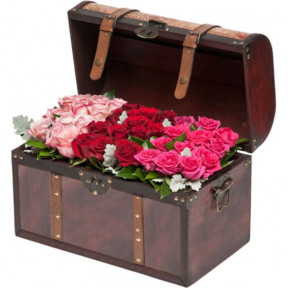 Chest Filled With 36 Gorgeous Roses