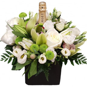 White Flowers With Moet Champagne (small)