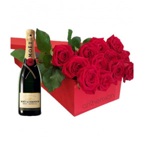 Gift Box With Roses And Moet 200Ml
