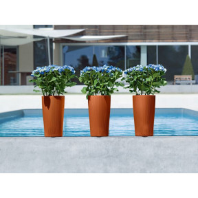 Cilindro Pinstriped Self-Watering Pot