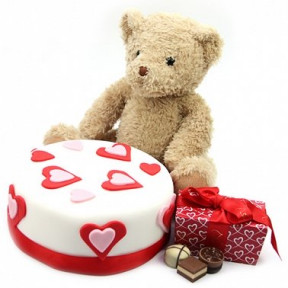Love Cake With Teddy And Chocolates (7 Inch Love Cake with Teddy and Chocolates)