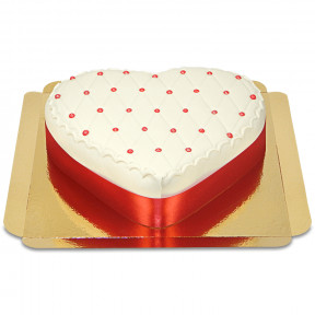 Deluxe cake heart shaped (Medium)
