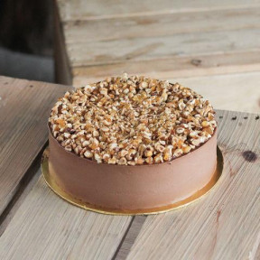 Baileys Chocolate Mousse with Caramalized Hazelnuts 9 inch