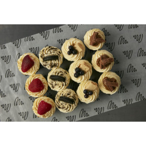 Box of 12 cheesecake cupcakes