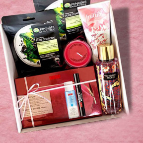 Victoria'S Secretâ® And Pupa Milanoâ® Gift Box
