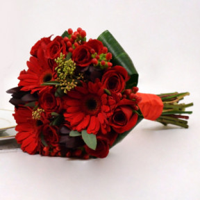 Memories: Roses and Gerberas Bouquet