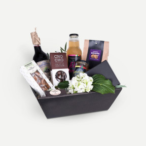 Gift box for the sweet tooth (Florist Choice)-1