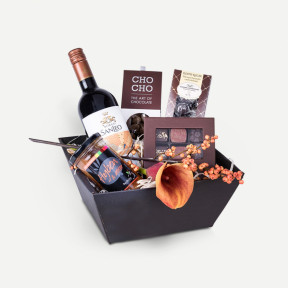 Gift box for the sweet tooth (Florist Choice)-2