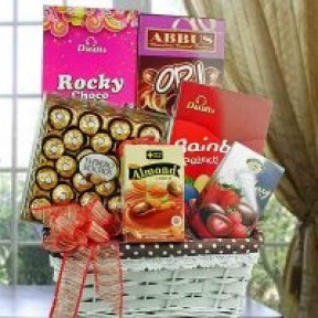 Assorted Chocolates Hamper Ch013