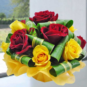 6 Red 6 Yellow Roses Small Table Arrangement