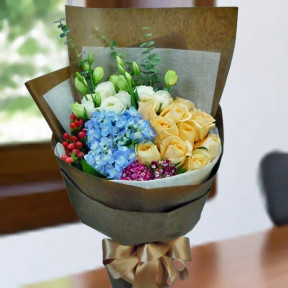 Blue Hydrangea And  10 Champagne Roses Handbouquet.