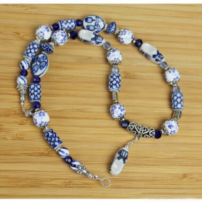 Necklace delft blue beads Col05