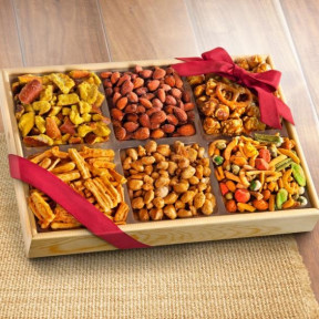 Crunch 'N Munch Snack and Nut Variety Tray