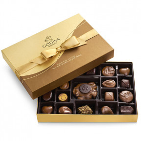 Nut And Caramel Gift Box, Gold Ribbon, 19 Pc