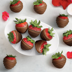 Milk Chocolate Dipped Strawberries, One Dozen