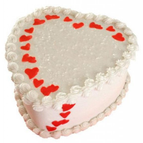 1.5 Kg Heart Shaped Vanilla Cake