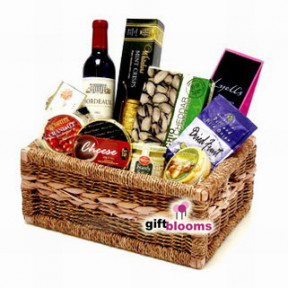Cheerful Gourmet Basket to Japan