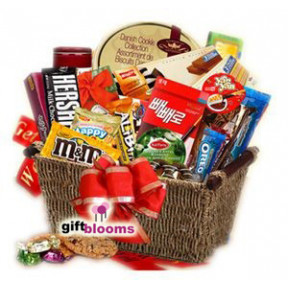 Snack Attack Gift Basket to Japan