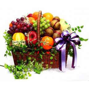Deluxe Fruit Basket to Japan