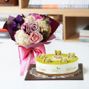 Flower and Green Tea Cake to Seoul