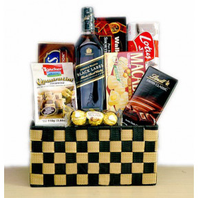 Johnnie Walker Black Gift Basket