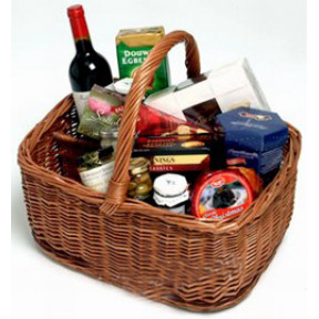 Gourmet Goodies Wine Gift Basket