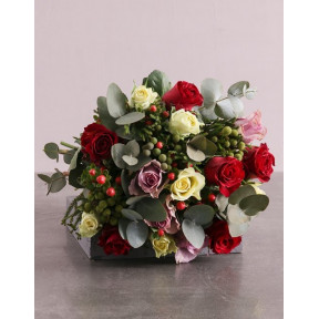 Enchanting Mixed Roses Blooms