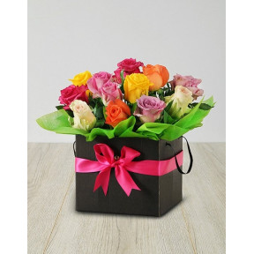 Mixed Roses In A Black Box (12 Roses)