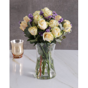 Cream Roses In Clear Vase