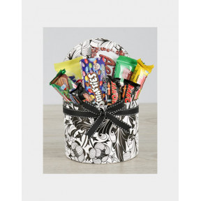 Black and White Floral Nestle Hat Box