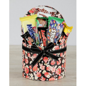 Floral Nestle Hat Box