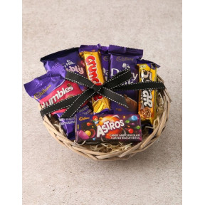 Cadbury Chocolate Basket Hamper (Standard)