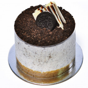 Oreo Cheesecake by Manna Bakery and Cafe