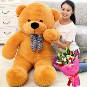 09-giant-bear-with-flower