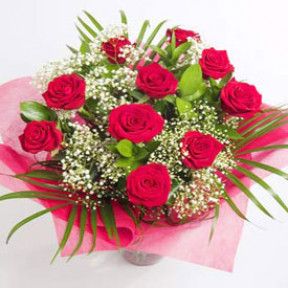 Romance Gift Roses (12 Roses Bouquet)