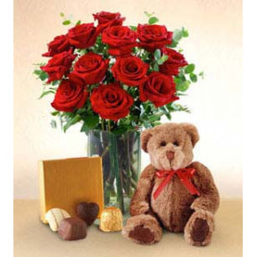 Lover`S Passion (12 Roses + Teddy Bear)