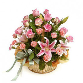 Delicate Basket (15 Roses + 1 Lilies Stems)